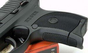 4-front-strap-mag-extension-checkering-300x180-4503832