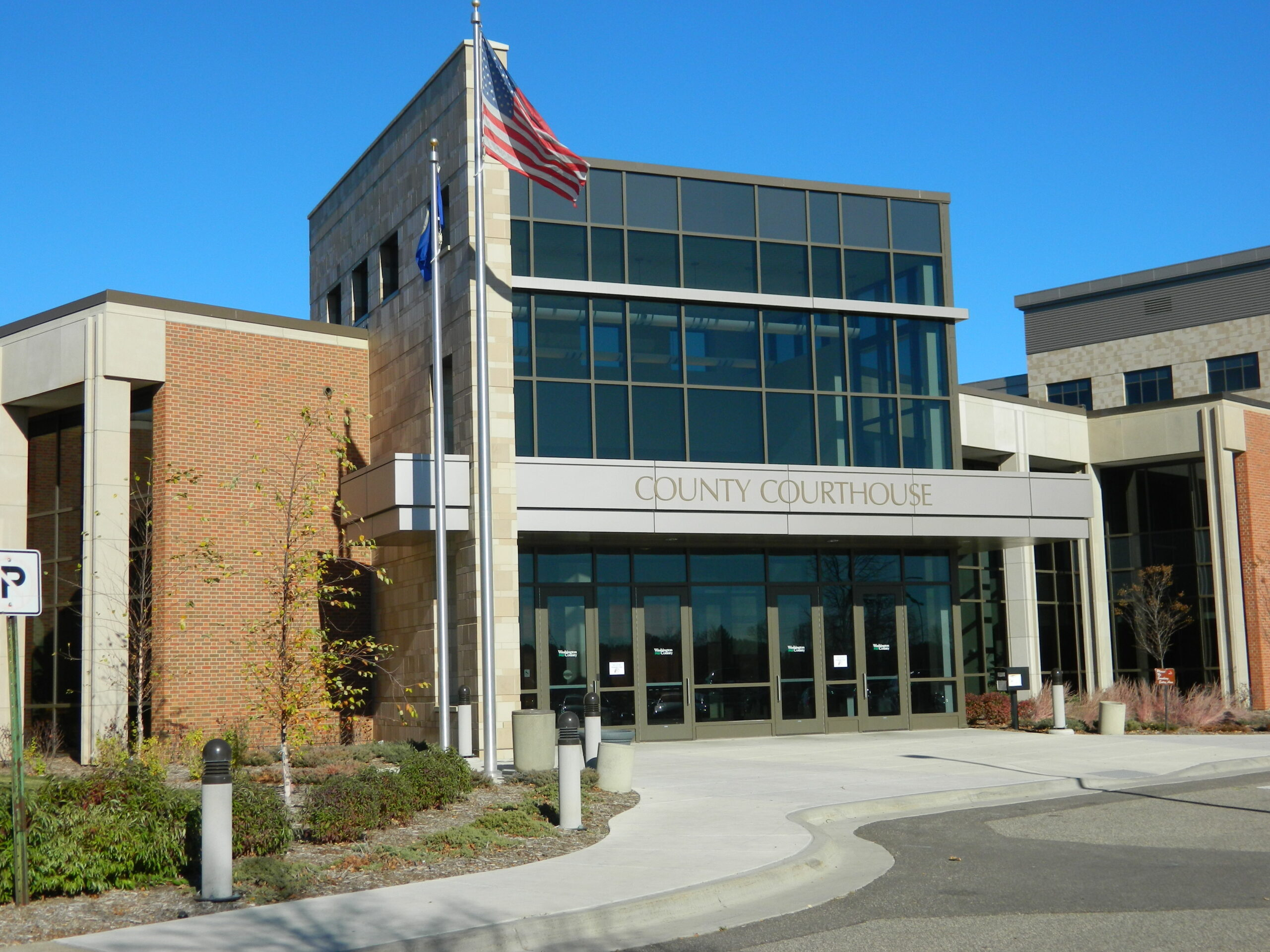 courthouse-outside-photo-10-31-12-008_201312271027087153-4494021